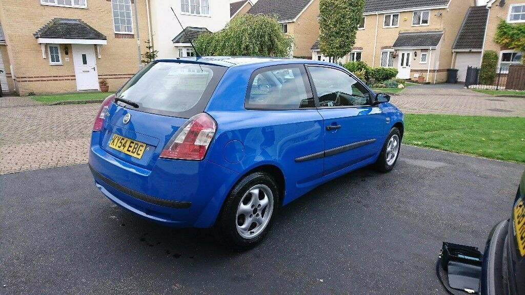 fiat stilo 2004 blue 111500 miles in headingley west. Black Bedroom Furniture Sets. Home Design Ideas