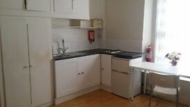 WELL PRESENTED,FULLY FURNISHED,STUDIO Room in Newport Town center (Civic Center) TEL, 07999531798