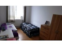 Nice room to rent to share for a man in Whitechapel, all bills included, free wifi, ID:693