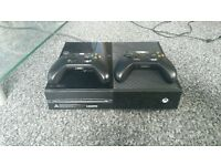 Xbox one, kinect, 10 games, two pads and play and charges