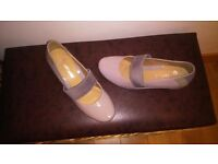 clarks wedge shoe NWOB 4.5