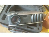 Dell DLP 2400MP Projector in leather hard case - Over 1,000 hours left on lamp life, barely used