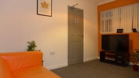 Large Single Room in friendly, clean and modern shared house - First Month Half Price