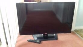 LG Television. Flat screen. 32ins with remote.