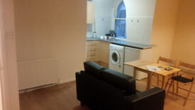 Lovely Spacious Modern Studio Prime Location 1 min Tube, PVT L/L Save £££ Come Direct!!! EARLS COURT