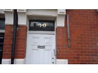 2 Bedroom Lower Flat, 40 Wingrove Road, NE4 9BQ