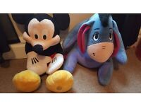 ❤ big micky mouse and eeyore ❤