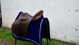 """17"""" English Leather Saddle"""