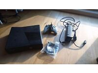 XBox 360 S, 1 controller, power supply and HDMI cable + 6 games