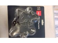 Gingerbread Family Cooker Cutters. Unopened. Excellent condition.