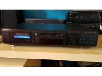 Sony MiniDisc player/recorder for sale (MDS -JE440)