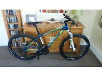 Giant Talon Mountain Bike (M) - £850 Bike