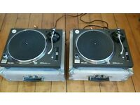 Technics 1210 MK5 x 2 Flight cases