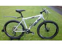 GIANT XTC HYDRAULIC DISC SPEC MOUNTAIN BIKE * FULLY SERVICED / SUPER CONDITION *