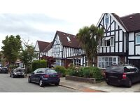 A 2 bedroom flat to Rent in North London / Finchley Central for £323 per week