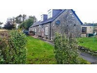 Lovely semi detached cottage set in a peaceful rural location - East Adamston Cottage Muirhead