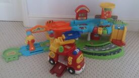 VTECH TOOT TOOT GARAGE with extras