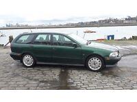 Volvo V40 Estate 1.9 T4 Manual 5 Door 1998 Dark Green - MOT to October 2017