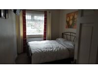 Double Bed Room In House Share East Didsbury. Beside Metro.