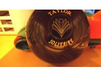 Bowls Thomas Taylor Solitaire size 4 in good condition.