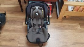 Egg Kiddy Evoluna Evo-Luna i-Size Infant Carrier Car Seat & Isofix Base Set