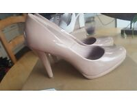 M&S new caramel court heels size 6