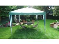 Halfords Pop up Gazebo. 3m x 3m. Excellent condition. Like new. Only used once.
