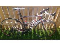 Cube full carbon fibre racing bike 56