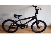 MuddyFox BMX Bike. 20 inch wheels. (Suit age: 8 to 16 years).