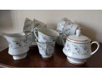 Noritake (Japan. 2451) - 'Catherine' - bone china tea set.