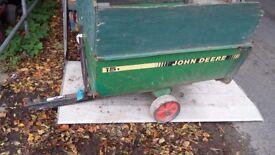 John deere ride on mower tipping trailer