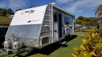 2015 New Age 19' Bunker Manta Ray Caravan