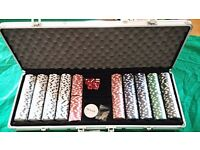 400 pieces casino chips set in a suitcase