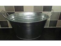 Galvanised steel oval tub