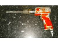 Pneumatic gammer concret braker in good used condition! Can deliver or post!