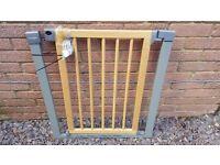 Lindam Sure Shut Deco Stair Gate - Safety Gate - Located @ RG19 4AD - Thatcham