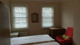 Large Double room in Mill Hill Broadway.