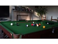 6 FOOT POOL /SNOOKER TABLE