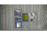 Original gameboy in excellent condition with 3 games