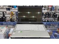 Toshiba Equium, 17'' screen, AMD dual-core 1.80 GHz, 4GB RAM, 250GB HDD, WIFI, DVD, Windows 7