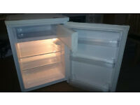 BUSH bucr6058 Fridge with freezer compartment