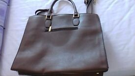 Brown handbag never used