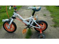 Kids bike with stabalisers