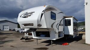 2011 COUGAR 27'6 5th WHEEL FOR SALE