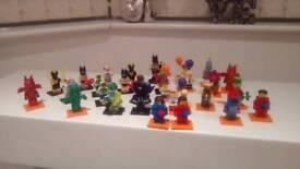 29 x lego minifigures