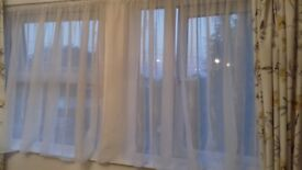 net curtain with tension rod