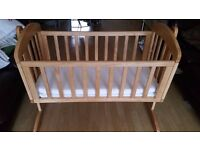 Mamas & Papas swinging crib in excellent condition