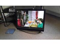 FLAT SCREEN TV & Wall Bracket VGC can be seen working £28