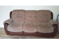 3 piece recliner sofa 3 seater, 2 seater and armchair from Harveys in very good conditions for sale