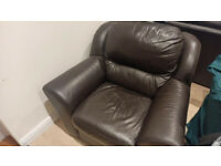 GENUINE ITALIAN LEATHER SUITE, 3 SEATER WITH RECLINER, 2 SEATER, SINGLE CHAIR.